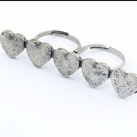 Old Fashioned Five Hearts Double Finger Ring