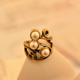 Chic Antique Pearl Rings for Women