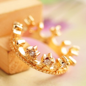 Pave Rhinestone Golden Crown Cocktail Rings With CZ