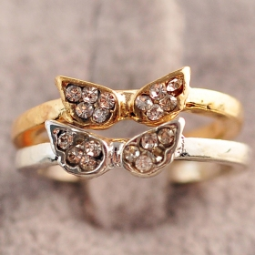Fashion Small Exquisite Rhinestone Angel Wing Band Rings