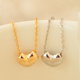 Elegant Jewlery Heart Shape Ladies' Simple Chain Necklace