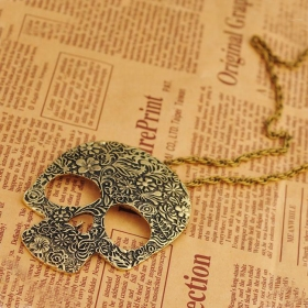European Style Vintage Gothic Skull Pendant Sweater Necklace