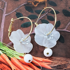 Elegant Jewelry Simple White Flower with Pearl Short Drop Earrings