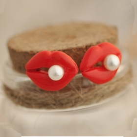Sexy Resin Red Lip Fashion Ladies' Stud Earrings with Pearl