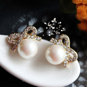 Cute Fashion Elegant Pearl Bowknot Stud Earrings for Girls