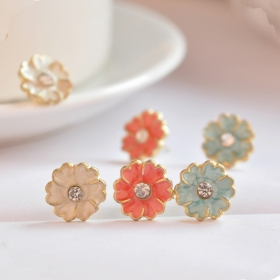 Simple Little Daisy Elegant Ladies' Flower Stud Earrings