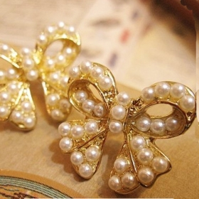 OL Style Vintage Bowknot and Pearl ElegantStud Earrings