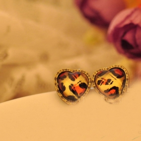 Vintage Heart Shape Ladies' Lepoard Stud Earrings