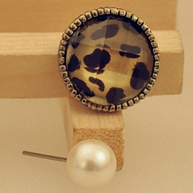 Vintage Leopard Pearl Stud Earring With 2 Pairs