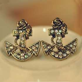 Vintage Exquisite Anchor Rhinestone Stud Earring