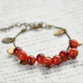 Ladies' Vintage Lovely Unique Beaded Charm Bracelet