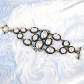 Fashion Cool Vintage White Stone Toggle Bracelet