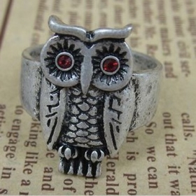 Old Fashioned Owl Shape Animal Ring