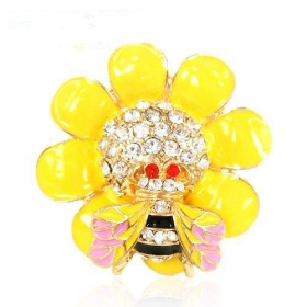 Lovely Yellow Bling Rhinestone Bee Cocktail Ring