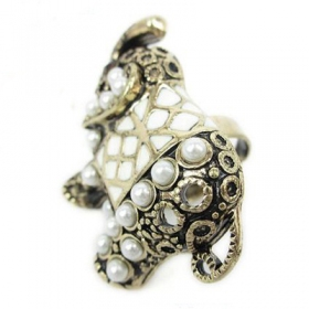Vintage Pearl Elephant Animal Band Ring