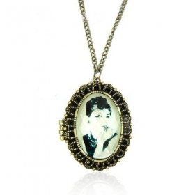 Antique Hebborn Photo Pendant Chain Necklace