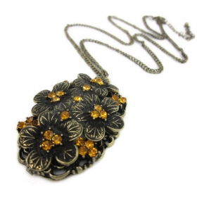 Vintage Hollowed Sweater Chain Necklace