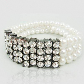 Personalized Bead Bracelets with Rhinestone and Pearl