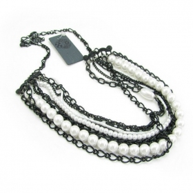 Simple Fashion Pearl Chain Bib Necklaces