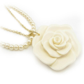 Fashion Pearl White Rose Pendant Chain Necklaces