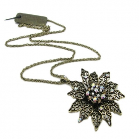 Vintage Flower Shape Rhinestone Pendant Necklaces