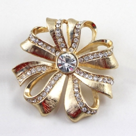 Fashion Exquisite Gold Plated Alloy Gemstone Flower Brooch