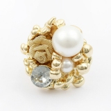 Antique Chic Pearl Rose Elegant Flower Ring