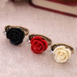 Vintage Style Rose Flower Rings with Black Red White Colors