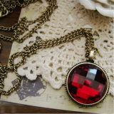 European Style Vintage Red Rhinestone Pendant Necklace