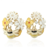 Lovely chrysanthemum Fashion Stud Earrings With Rhinestone